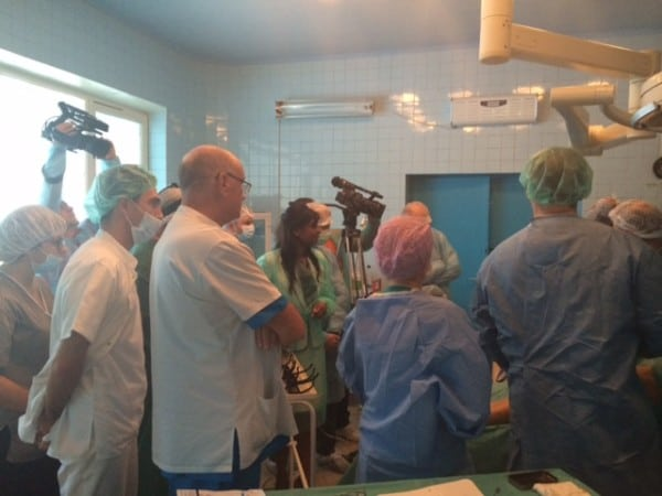 Delegates watch Prof Mark Whiteley operate with EVLT for varicose veins at XIII Romanian Congress of Phlebology